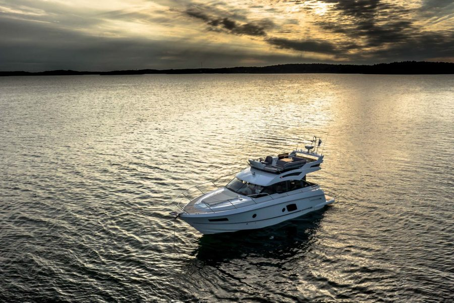 Grandezza 40 FLY; flybridge; yacht